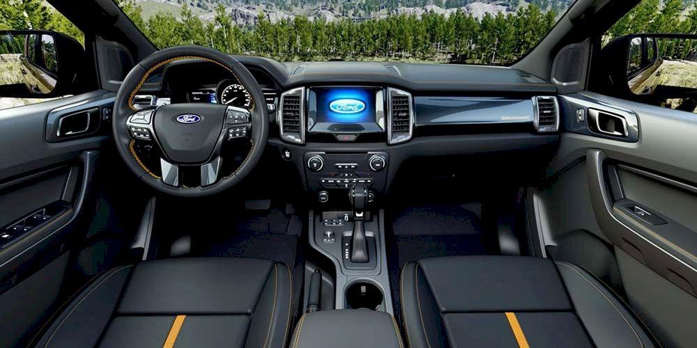 Ford Wildtrak có thiết kế nội thất hiện đại