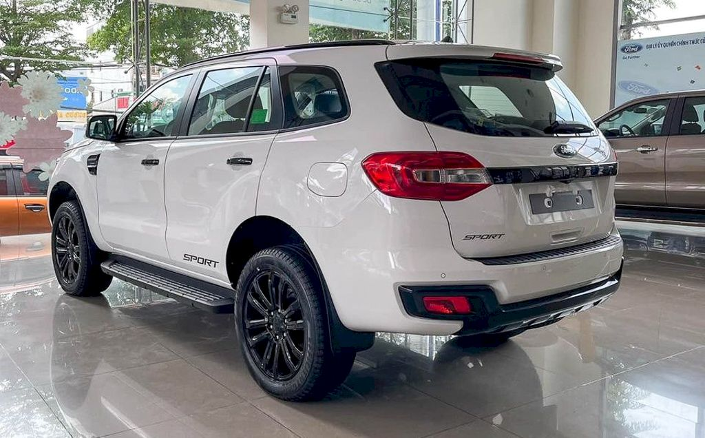 Ford Everest doanh số trong tháng 05/2021
