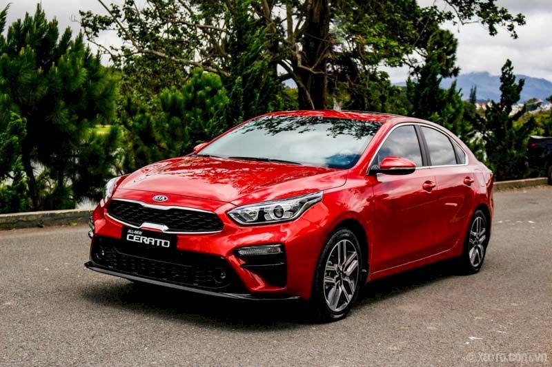 Kia Cerato đứng đầu phân khúc sedan hạng C với doanh số 875 xe