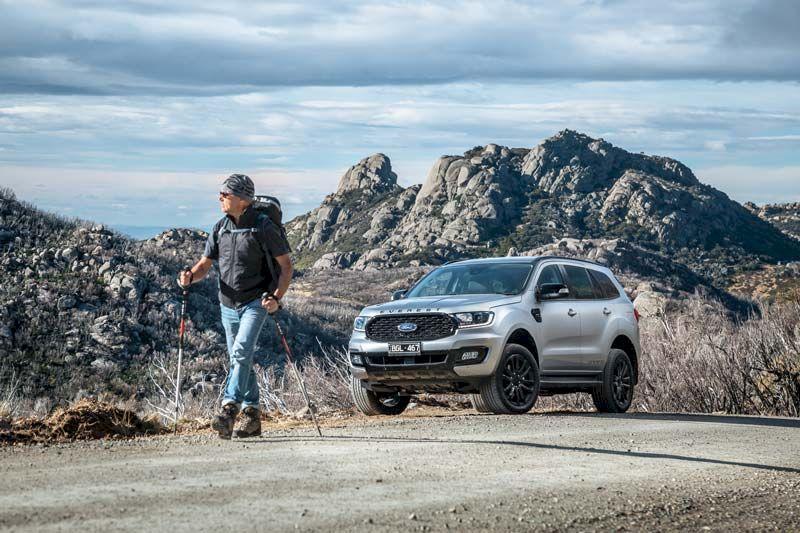 Ford Everest tiếp tục xả hàng, giảm giá gần 100 triệu đồng