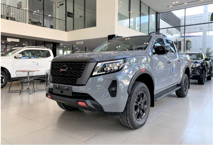 Bước sang phiên bản 2021, mẫu bán tải thương hiệu Nhật tiếp tục nhận được nhiều cải tiến về cả thiết kế, trang bị và khả năng vận hành nhằm đáp ứng nhu cầu ngày càng cao của khách hàng, đồng thời gia tăng sức ép lên các mẫu xe đối thủ.