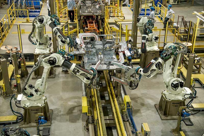Xưởng lắp ráp hoàn thiện cũng được nâng cấp với băng tải tự động, có thể lật để lắp ráp theo hai chiều, với các dụng cụ siết lực của Thụy Điển, kiểm soát chính xác mô men xoắn.